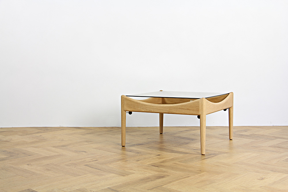 MODUS side table (モデュス) / Kristian Vedel (クリスチャン・ヴェデル)