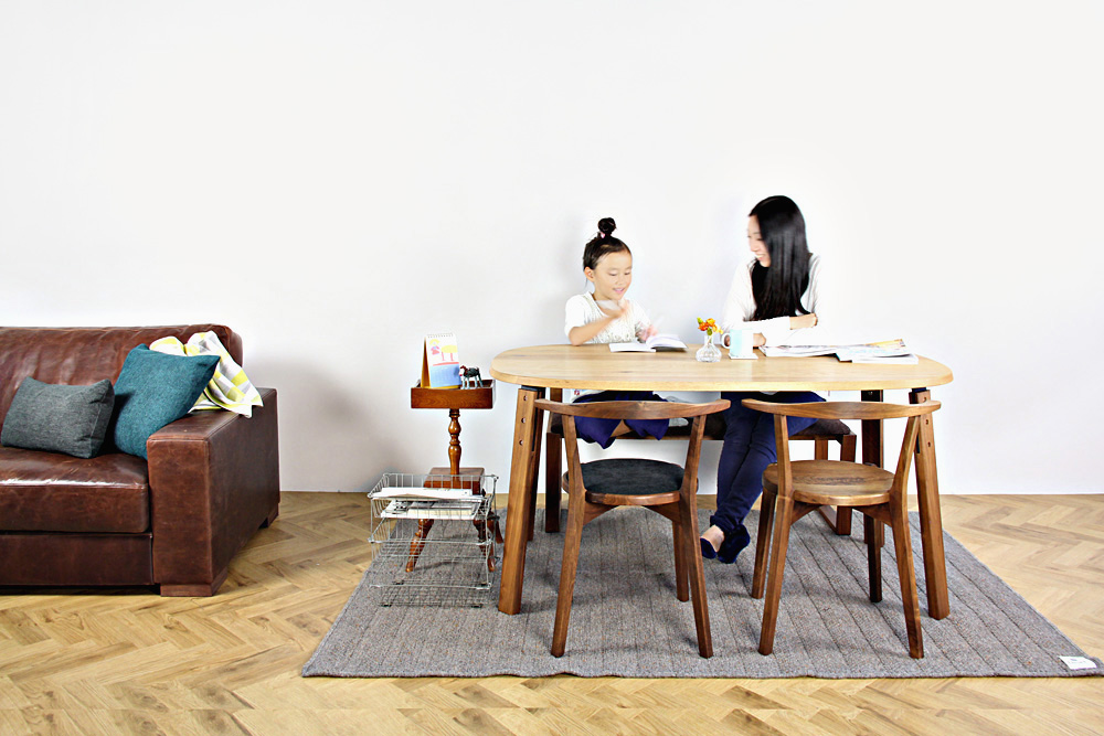 WAKABA (若葉家具) / kaname dining table
